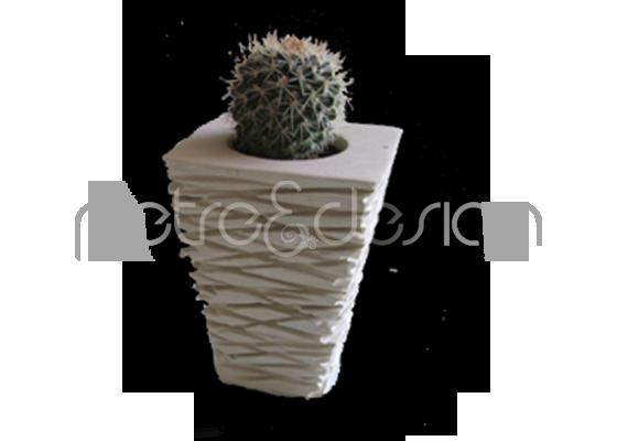 Vasetto rigato in pietra leccese